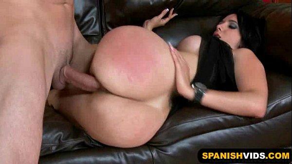 Morena latina atraente levando pica do careca dotado