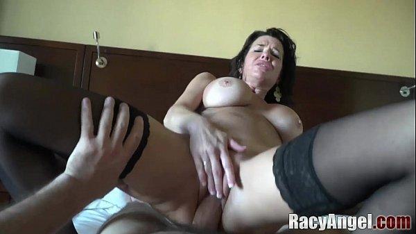 Putas milfs das bucetas arregaçadas dando o cu