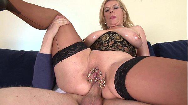 Video de incesto comendo cu da sogra com buceta tapada de piercing