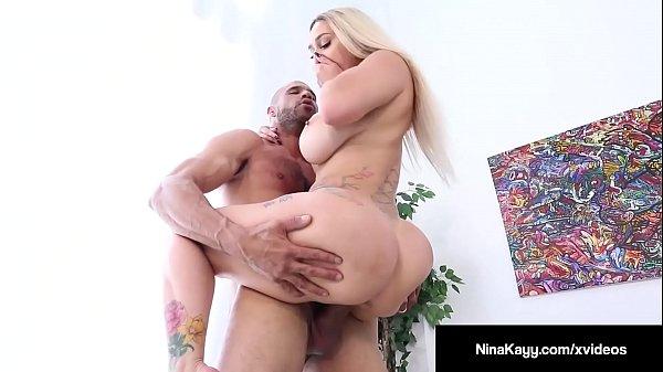Xvideos pornô comendo a secretária loira do rabão colega de serviço