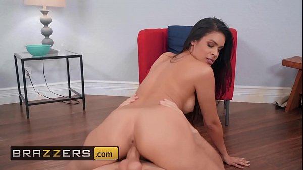 Xvideos pornô personal careca comendo a aluna morena do corpo perfeito